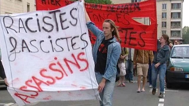 Front unique ouvrier pour écraser les bandes fascistes !