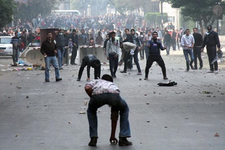 Égypte: Al Sissi tente d'écraser les travailleurs, Hollande et Valls lui donnent un coup de main