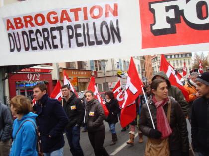 Enseignement secondaire Maintien intégral des décrets de 1950, retrait du projet de décret Peillon !