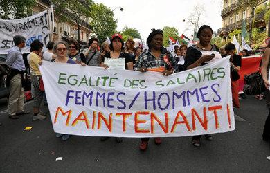 Contre les bigots et les fachos, pour l'émancipation totale des femmes, des jeunes et des homosexuels