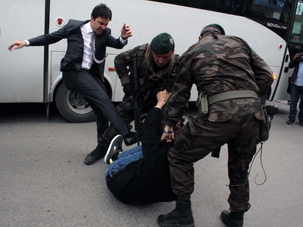 Turquie  Les mineurs indignés s'en prennent au gouvernement islamiste