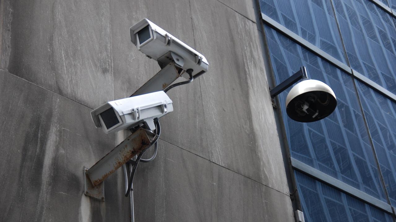Abrogation des lois d'espionnage généralisé de la population!