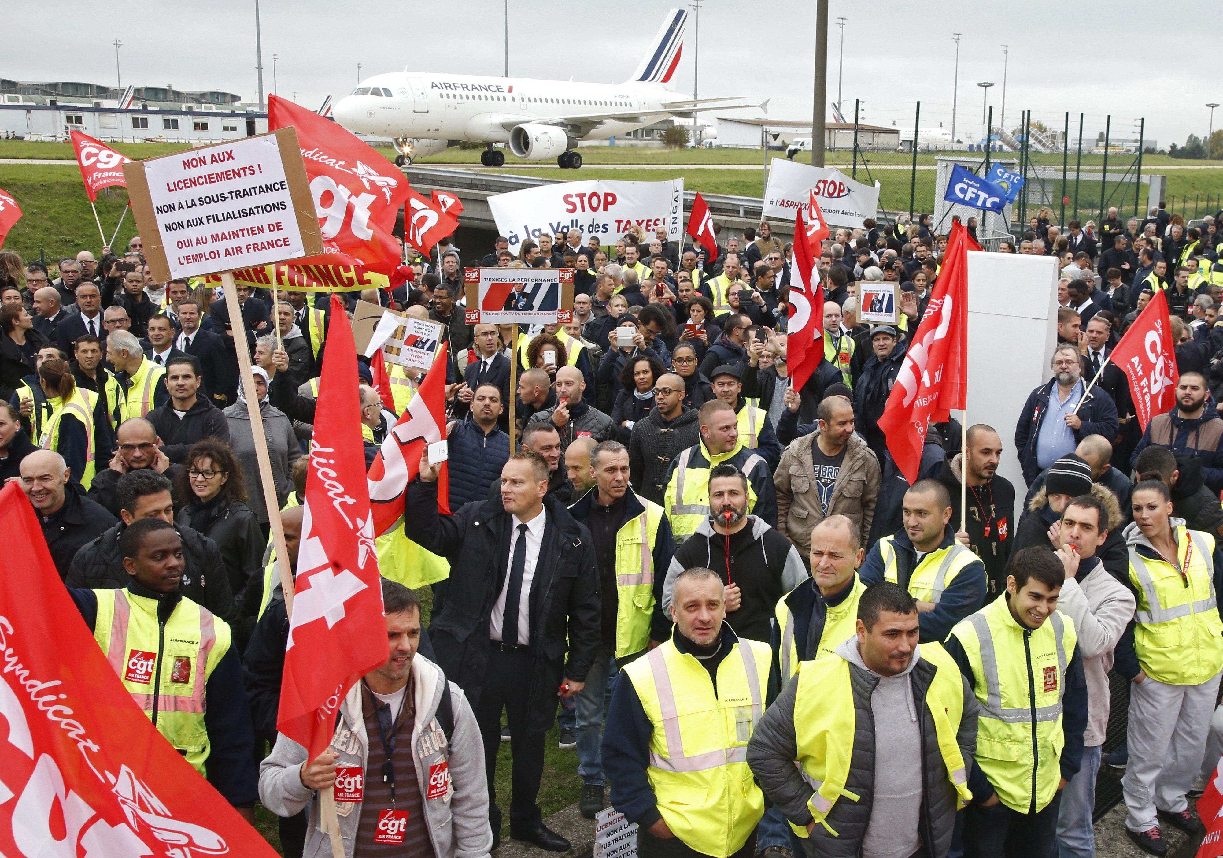 Aucune sanction à Air France ! Boycott de la conférence sociale de Hollande-Valls-Macron !