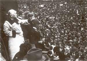 1915 : les conférences internationales des femmes et des jeunes socialistes