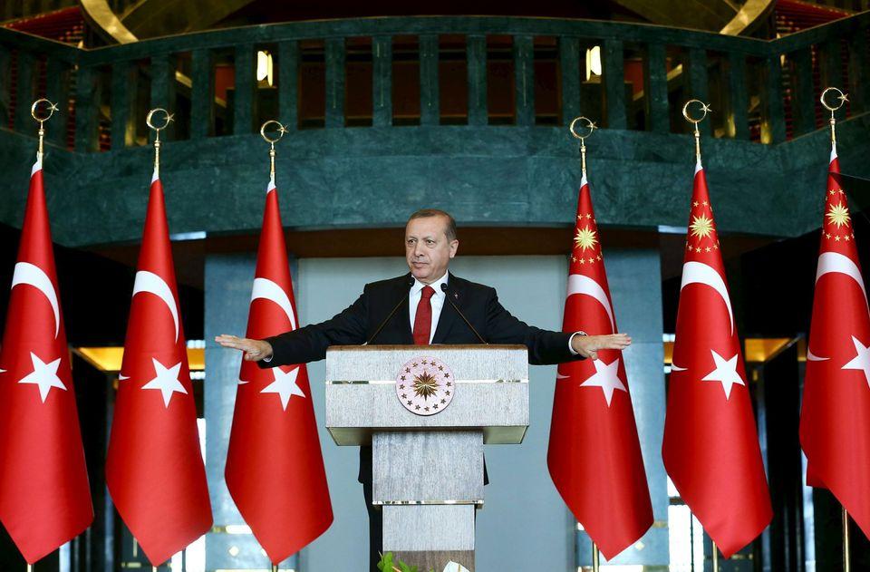 Turquie : le gouvernement islamiste s'en prend aux Kurdes et refait voter